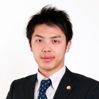 片山弁護士